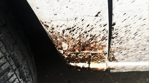 jak-odstranit-asfalt-z-karoserie-vaseho-auta