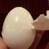 Jak oloupat vejce na tvrdo za 10 vteřin
