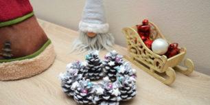 Jednoduchá Vánoční dekorace z šišek
